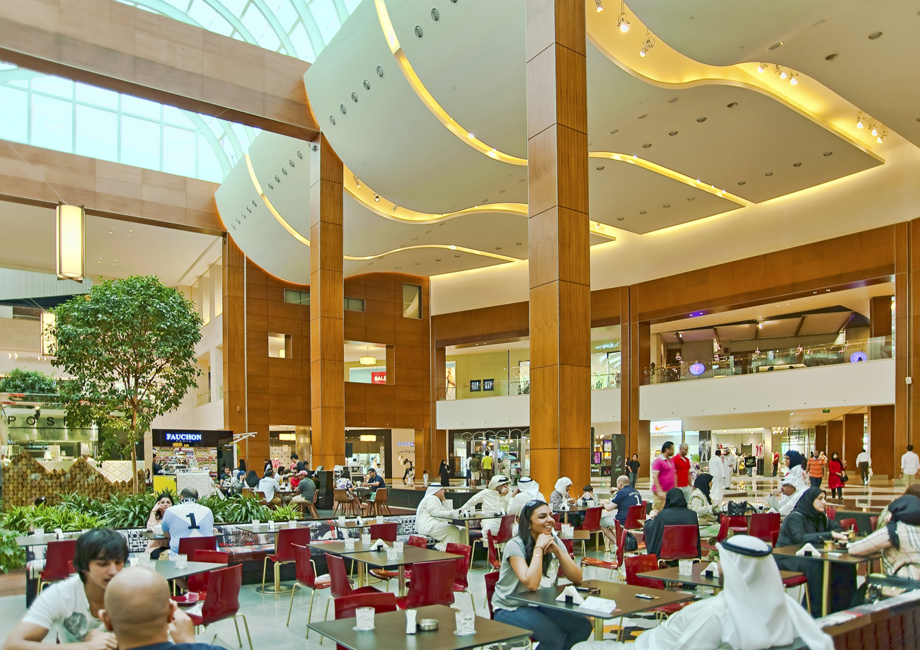 Architectural Photography Project 360 Mall Kuwait Clients Callisonrtkl Tamdeen Main Atrium Casual Dining People Curved Ceiling Space DSC4751.jpg